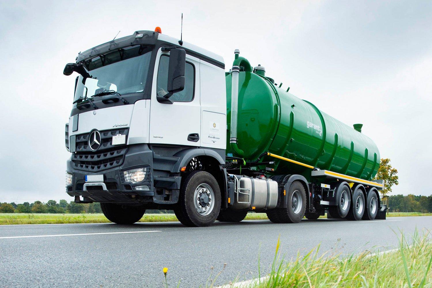 Tanksattelauflieger-gülle-transport-5.jpg