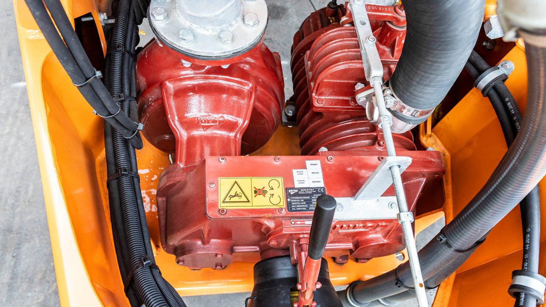kommunaltechnik-julia-pumpe-zu.jpg