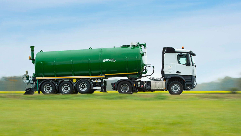Tanksattelauflieger-gülle-transport-2-zu.jpg
